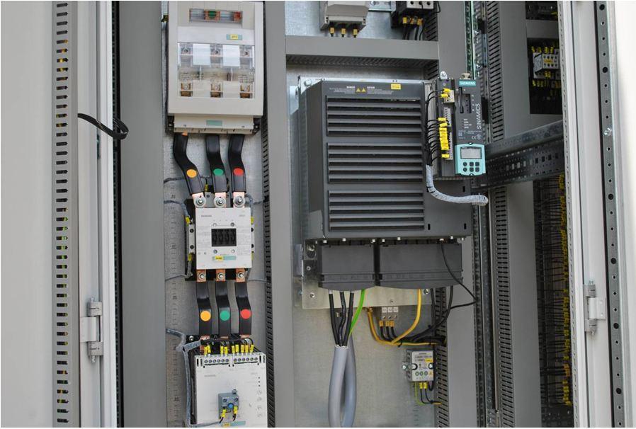 Шкаф управления с преобразователем частоты Sinamics S120 c блоком управления CU310-2DP
